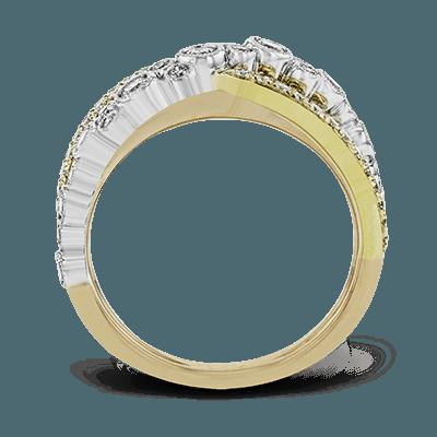 DR361  18K RING .73D