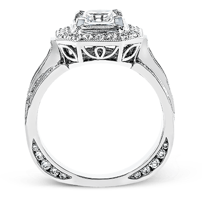 NR109-A ENGAGEMENT RING 18K RING .60D .40PC